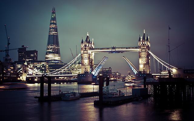 tower_bridge_of_london-small